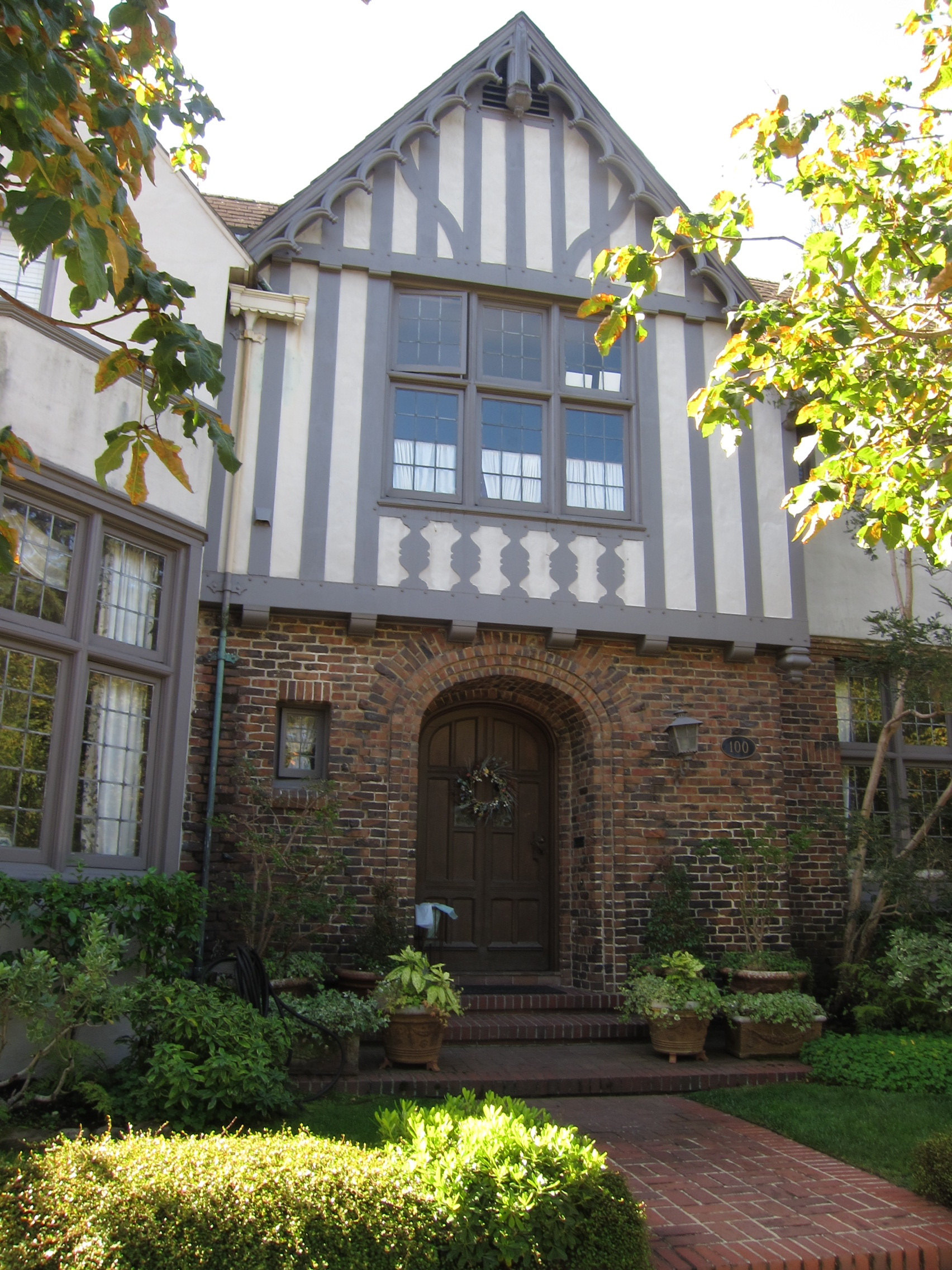 Tudoring lessons from piedmont living x design - Online exterior house color tool ...