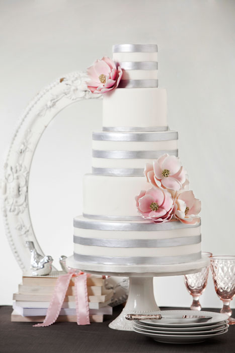 Filigree Designs for Cakes http://livingxdesign.wordpress.com/2012/06/30/cake-architecture/
